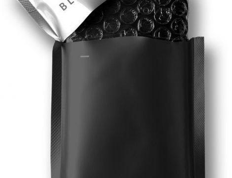 3D Mobile phone packaging Unpretentious_approachable